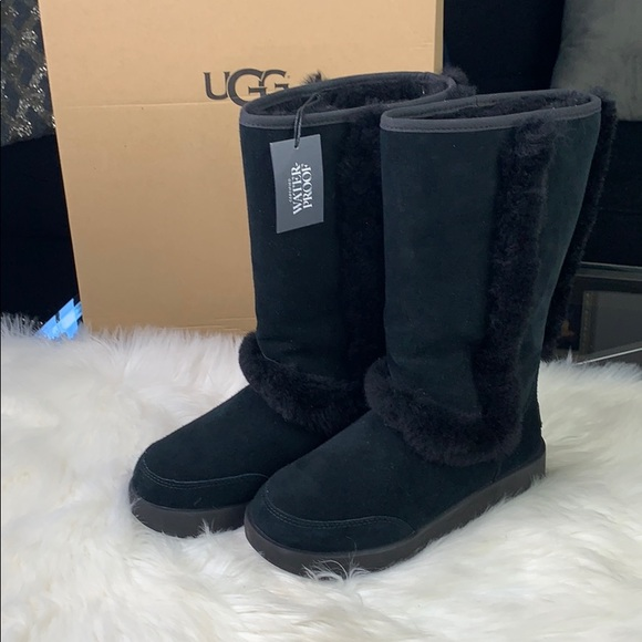 f7540a5ac20 New Black Ugg Waterproof/Snow Boots Size 7 NWT